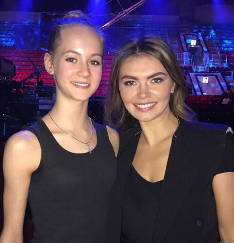 Алина Кабаева с гимнасткой Анастасией Чанос