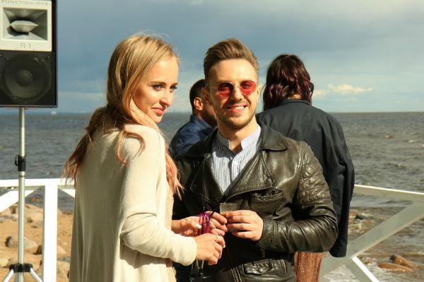 Знаменитый блоггер Александр Хоменко в это раз был без своей супруги