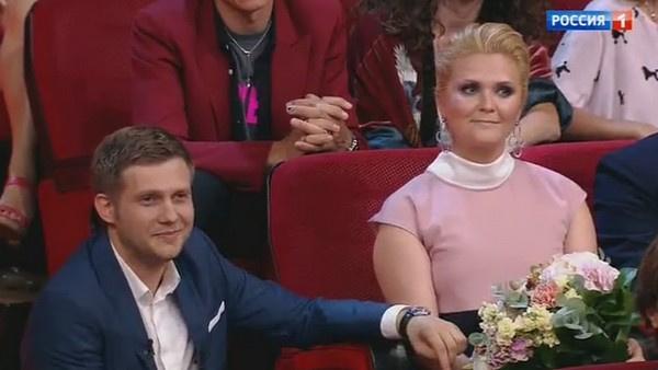 Борис Корчевников поздравил супругу коллеги Наталью Шкулеву с грядущим пополнением в семье