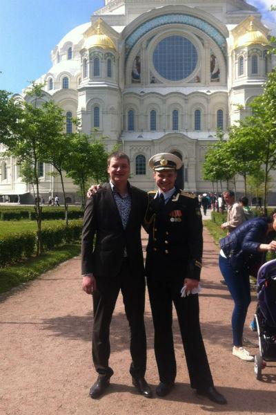 Сыновья капитана 3-го ранга Николая Белозорова (слева) и капитана 1-го ранга Владимира Багрянцева, Алексей и Игорь, дружат 15 лет