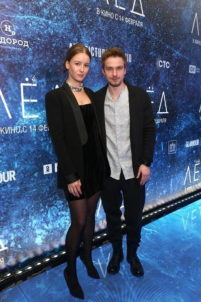 Ирина Старшенбаум и Александр Петров вместе посещают премьеры