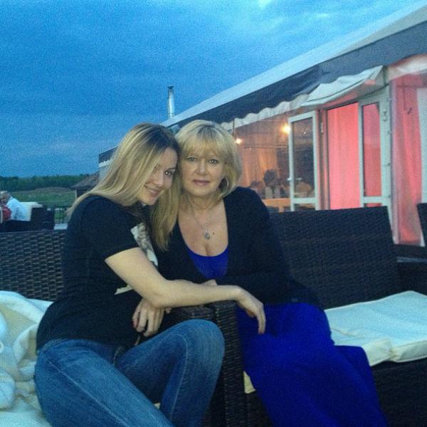 Мария Кожевникова с мамой Маргаритой