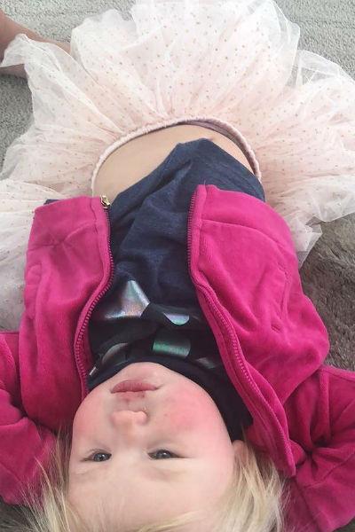 Маленькая Эмми часто появлялась в соцсетях родителей