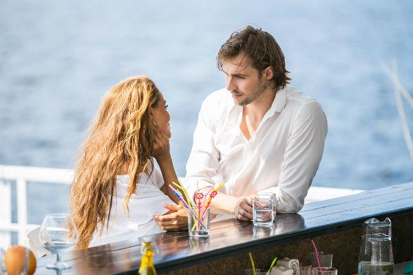 Анна Калашникова на съемках клипа на песню «Две планеты»
