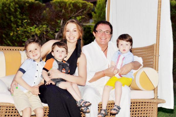 Полина и Дмитрий воспитывают троих детей