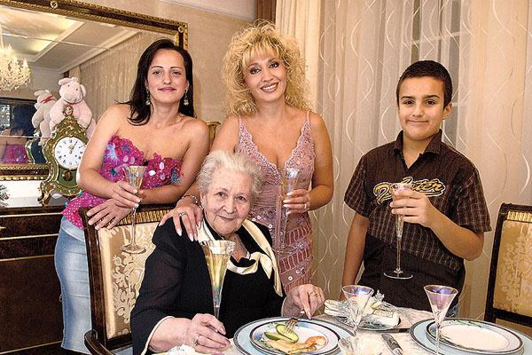 Мамы певицы, Серафимы Михайловны, не стало 6 лет назад