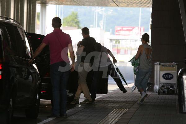 Ксения Собчак и Максим Виторган покинули здание через особый выход