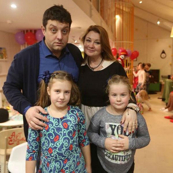 Актер со своей любимой семьей