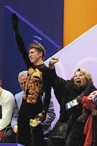 Во время победы на Олимпиаде в Солт-Лейк-Сити в 2002 году Алексей Ягудин и Татьяна Тарасова не скрывали слез радости