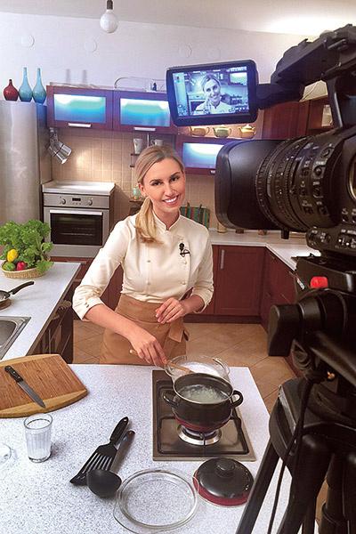 По утрам Диана дает советы домохозяйкам на «Первом канале»