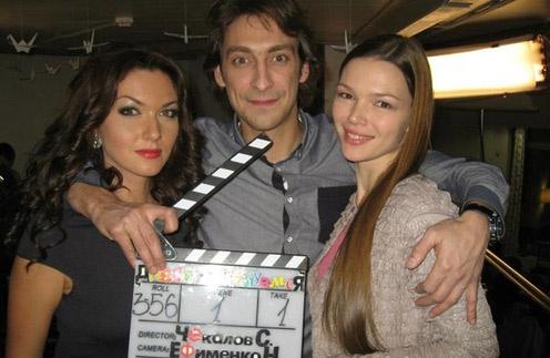Юлия Такшина и Артем Ткаченко с коллегой на съемках