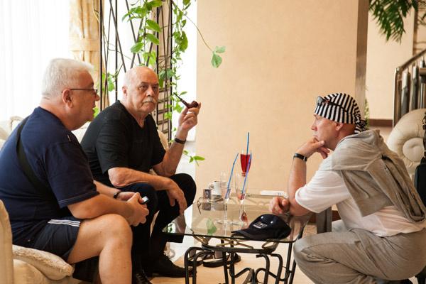 Винокур, Говорухин и Сухоруков разговорились о предстоящем фестивале и сопутствующем отдыхе