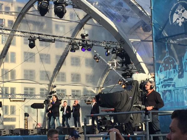 Концерт Михаила Турецкого и его коллег прошел на одной из самых красивых площадей Берлина