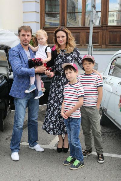 Супруга Петренко смогла найти общий язык с его сыновьями от Екатерины Климовой