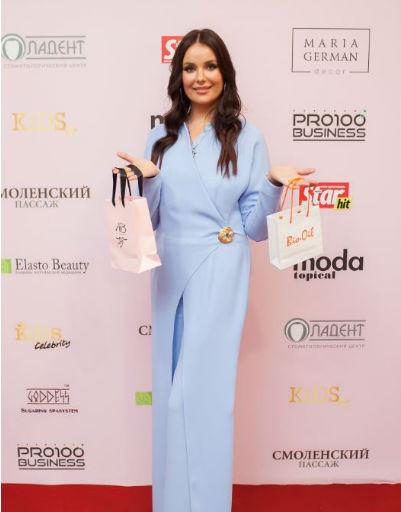 Оксана Федорова лично поздравила победителей премии