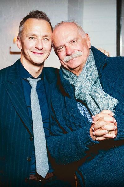 Сам Степан Михалков также находится в прекрасных отношениях с отцом, несмотря на давний развод родителей