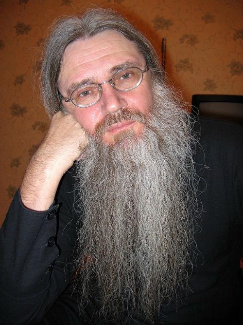 Родной отец Архаровой Владимир Копнин готов наладить отношения с ней
