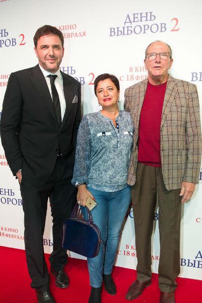 Максим Виторган с отцом и его женой Ириной