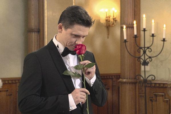 В финале шоу Тимур Батрутдинов долго не мог выбрать между двумя участницам