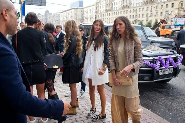 Кети не стала наряжаться - пышное платье невеста примерит 9 сентября