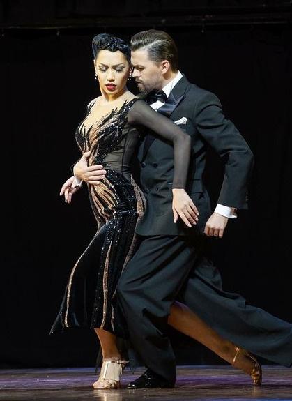 Дмитрий не представляет свою жизнь без танцев