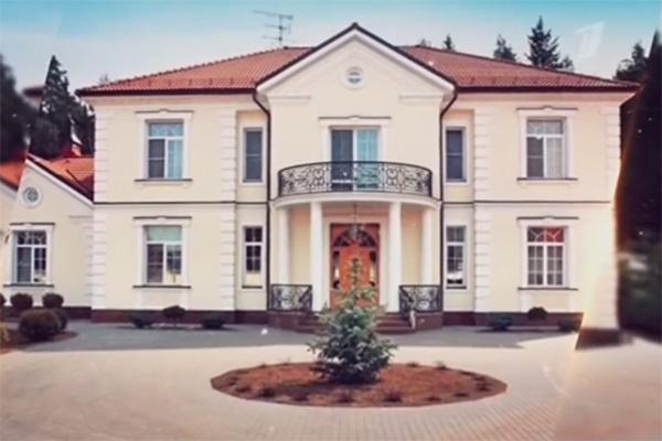 Особняк в Подмосковье Шуфутинский строил три года
