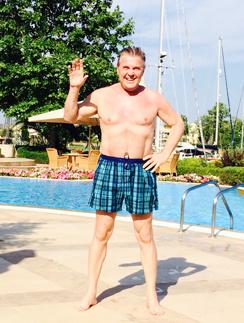В свои 72 года Лев Лещенко в прекрасной спортивной форме