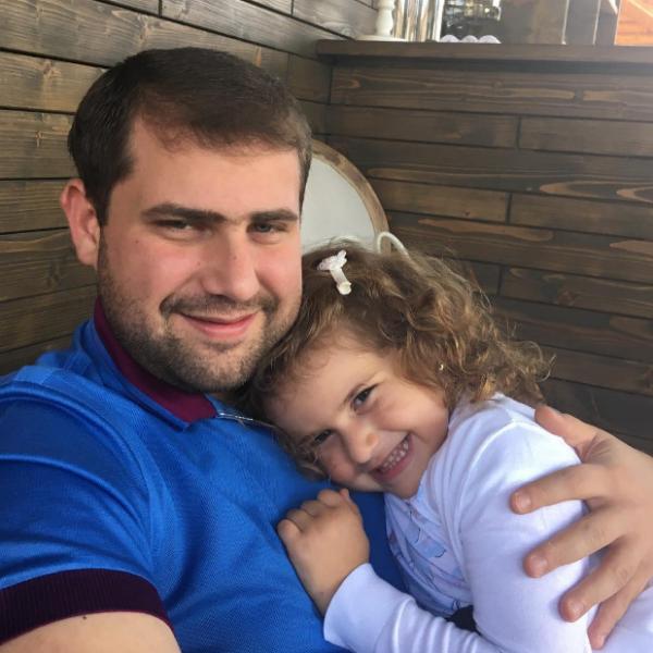 Илан Шор с дочкой