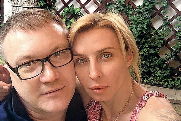 Певица ждала Александра Меркулова 3,5 года
