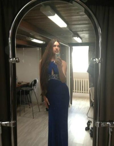 «Мисс Россия — 2012» Елизавета Голованова готовится к фотосъемке для журнала StarHit