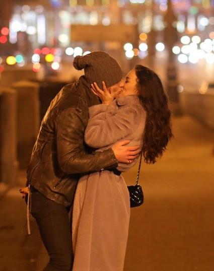 Воробьев и Дайнеко постоянно целовались на съемках клипа