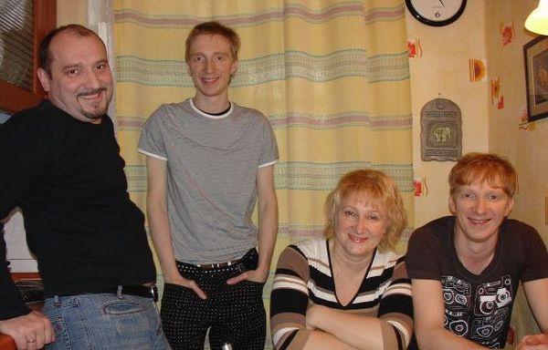 Борис и Константин Бурдаевы с родителями