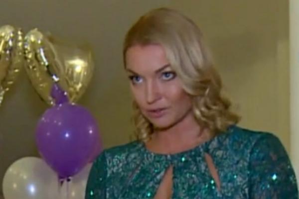 Анастасия Волочкова теперь сама занимается воспитанием дочери