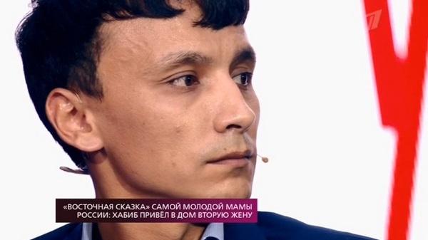Хабиб сказал, что его бывшая жена Зарина сама разрушила их брак