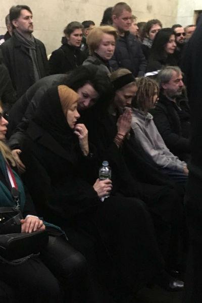 Сын и отец Децла впервые за долгое время встретились на похоронах