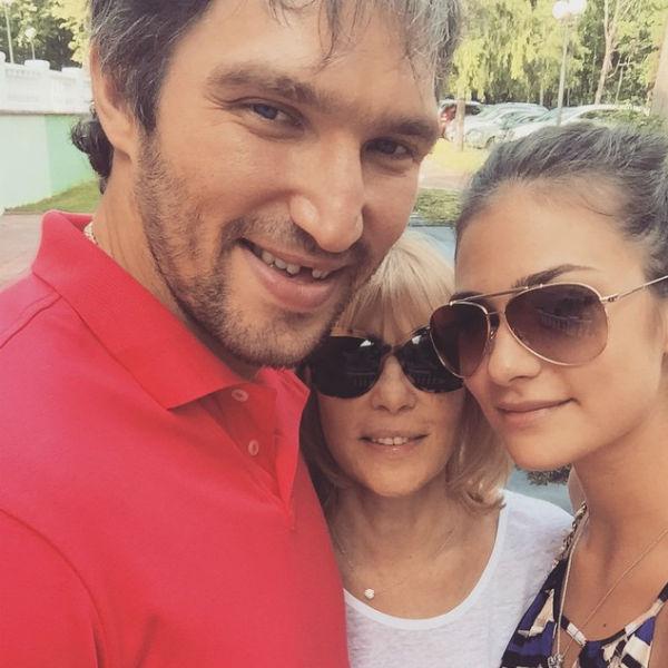 Вера Глаголева давно дала понять журналистам, что она одобряет выбор дочери