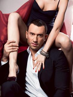 Экс-герой канала ТНТ рассказал о том, почему не женится на Ксении Бородиной, как пережил тяжелую болезнь мамы и сколько зарабатывает