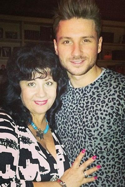 Сергей Лазрев с мамой