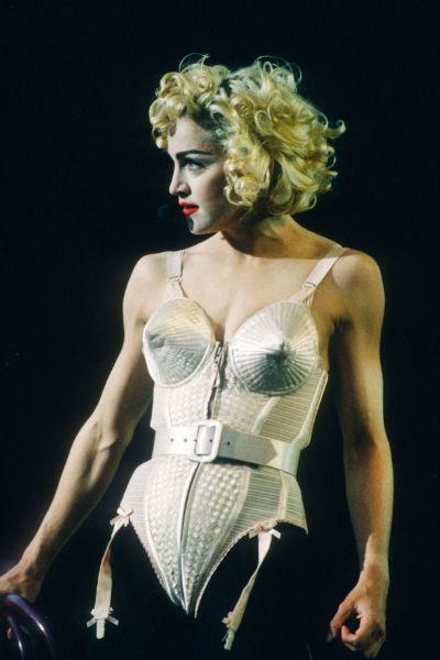 Мадонна с молодости привыкла эпатировать публику