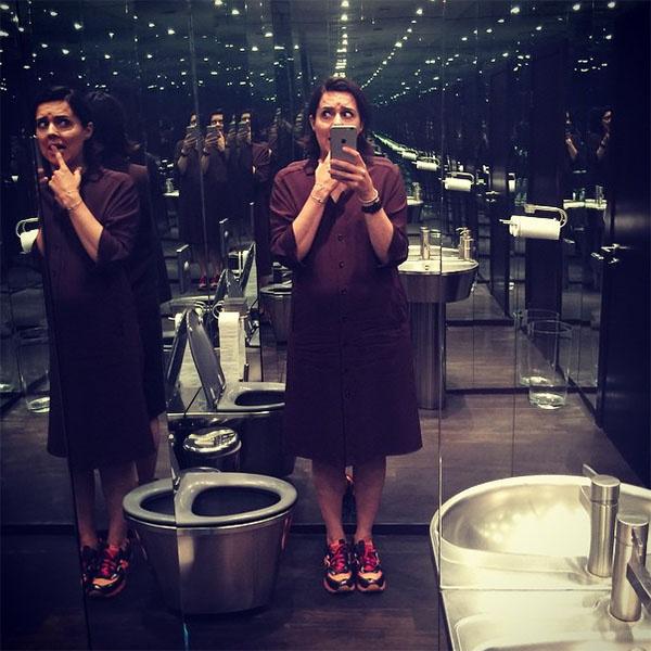 «Игорь, ну туалет можно было и попроще!» – обратилась к Чапурину в «Инстаграме» Ольга Шелест
