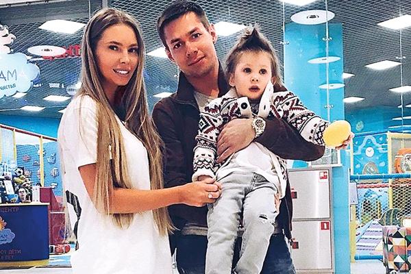 От брака с моделью Натальей Горчаковой у музыканта есть сын – 4-летний Петр