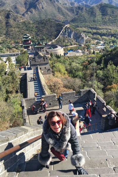 После утки по-пекински Аня Павлова легко забралась на Великую Китайскую стену