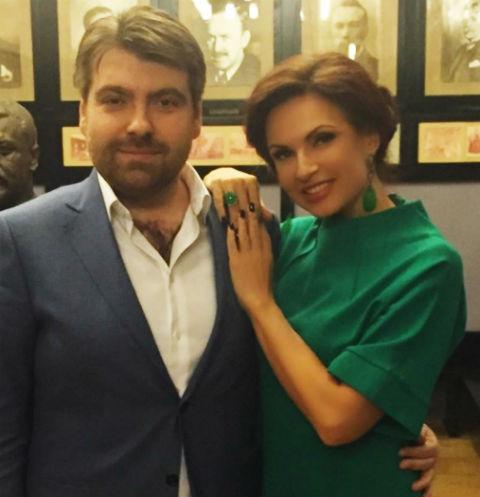Эвелина Бледанс год скрывала разрыв с мужем