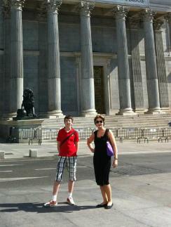 Елена Ищеева и ее сын Данила в Мадриде