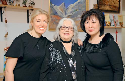 Актрисы Мария Шукшина и Лидия Федосеева-Шукшина и Светлана Чойжинимаева