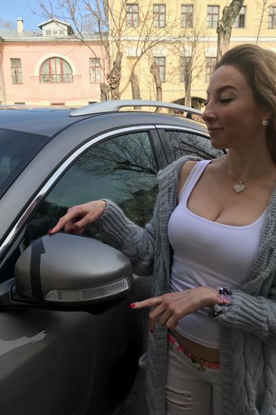 Мошенники снесли у машины зеркало...