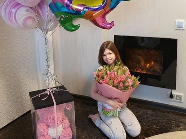 Дочь Дмитрия Тарасова Ангелина