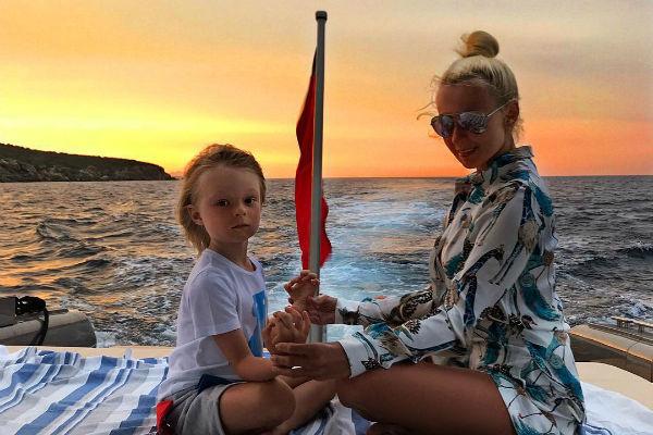 Сын Плющенко и Рудковской уже делает большие успехи в фигурном катании