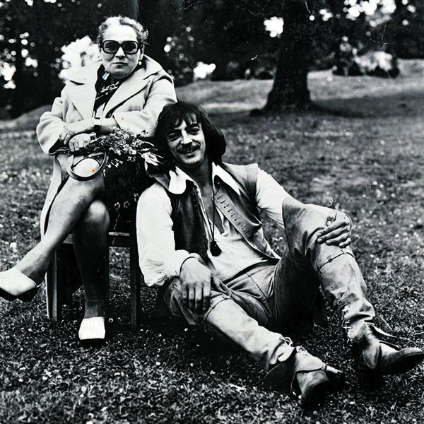 Боярский с мамой Екатериной Михайловной на съемках фильма «Д'Артаньян и три мушкетера», 1978 год