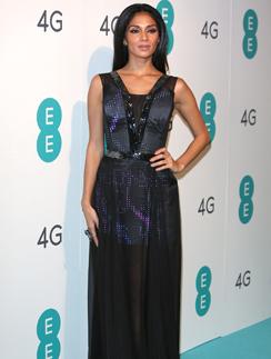 Николь Шрезингер в твиттер-платье